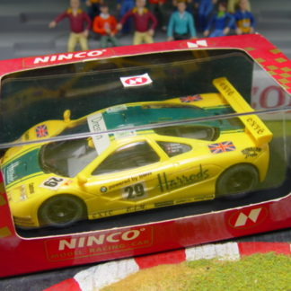 NINCO 50130 BMW McLaren F1 GTR British #29 Harrods Hawaiian Tropic