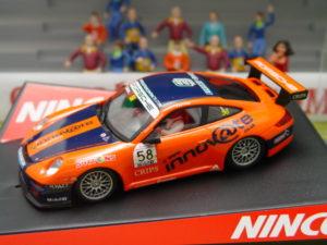 NINCO 50496 SLOT CAR PORSCHE 997 #58 INNOVATE J.SUTTON