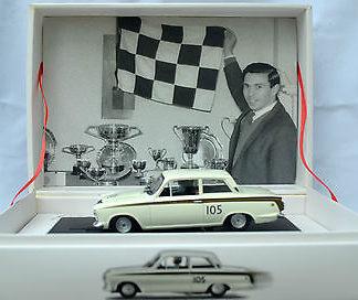 Monogram 8398 Ford Cortina Jim Clark