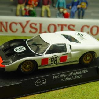 Slot.it SICA20B Ford GT40 Mark II #98 Daytona 24 Hours 1966 Race Winner
