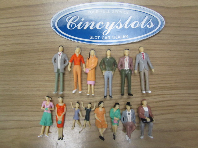 14 1/32 Scale Painted Figures Spectators for your track