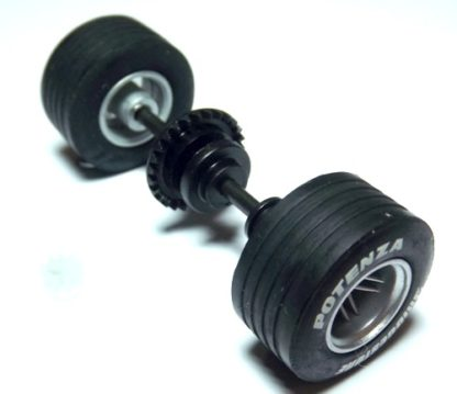 Scalextric W8444 rear axle assembly McLaren F1