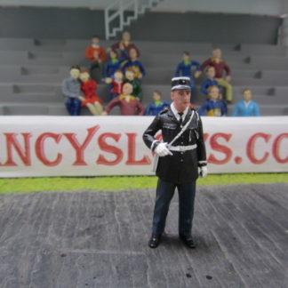 Le Mans Miniatures Figure FLM132043/1 Andre' Policeman