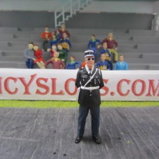 Le Mans Miniatures Figure FLM132043/3 Marcel Policeman
