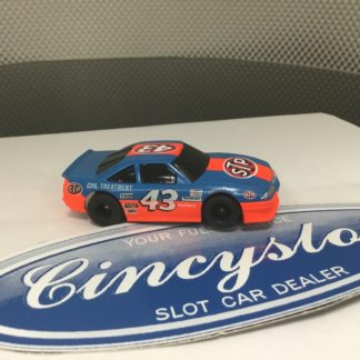 TYCO RICHARD PETTY STP NASCAR LARGE CHIN SPLITTER PONTIAC HO SLOT CAR.
