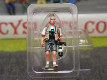 Le Mans Miniatures FLM132011M Peter the Reporter with Orange Jacket.