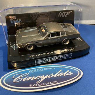 Scalextric C4203 James Bond Aston Martin DBS.
