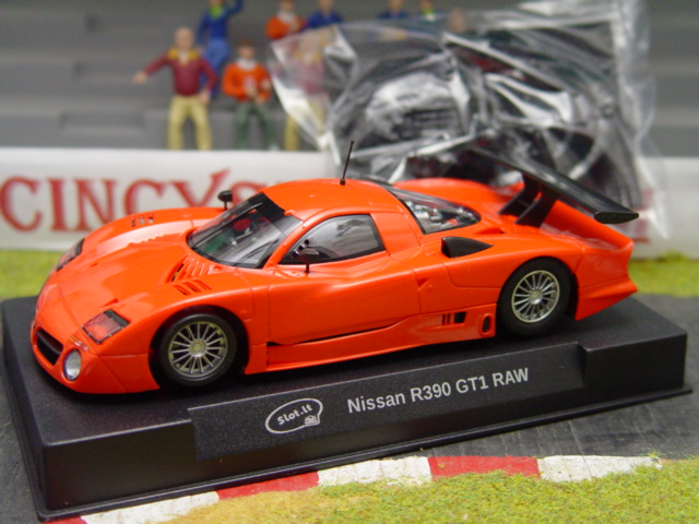 Slot it nissan r390 review