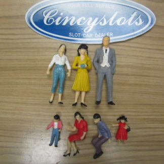 7 1/24 Scale Figures Spectators for Trackside Scenery