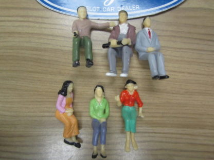 6 1/24 Scale Figures Spectators for Trackside Scenery