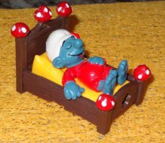 SMURFS ZZZ SLEEPING IN BED SUPER SMURF Figurine Vintage Rare Toy 1983 BOX4