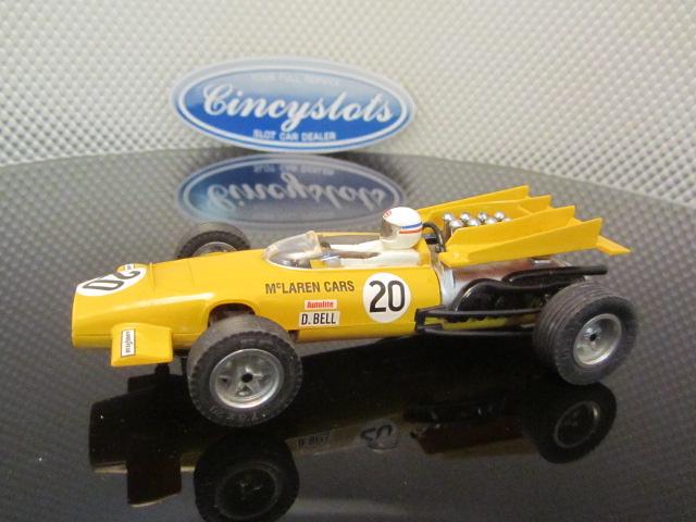 SCX 62050 Vintage McLaren M9a F1 Derek Bell 1969 Slot Car 1/32