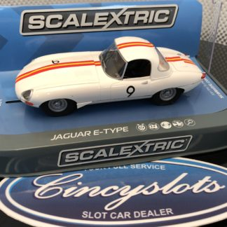 Scalextric C3890 Jaguar E-Type 1965 Bathurst Bob Jane Slot Car