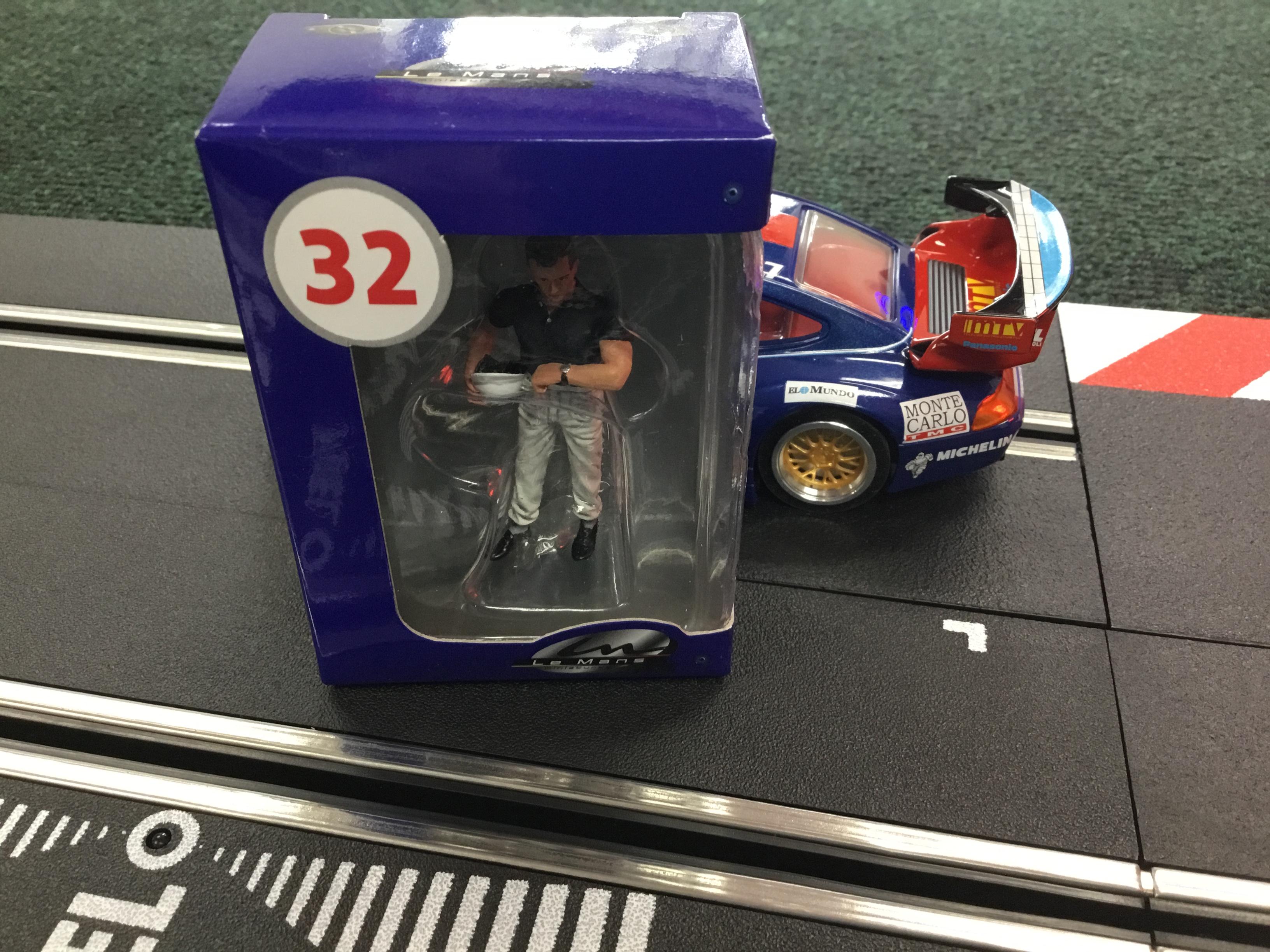 Le Mans Miniatures FLM132054M Phil Hill 1950-1965 Slot Car Figure