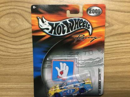Hot Wheels 2001 Pit Board Cheerios 50153 Andretti.